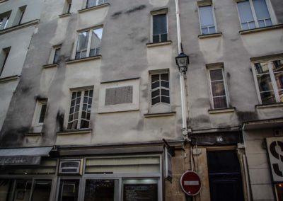 Le long de la rue Dauphine, entre la rue Christine et le Pont Neuf par Julien Barret-5