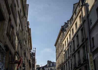 Le long de la rue Dauphine, entre la rue Christine et le Pont Neuf par Julien Barret-6