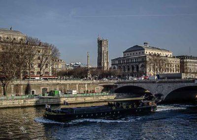 Tour Saint Jacques vue de la Cité©JulienBarret