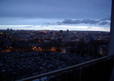 La ville s'illumine le soir©JulienBarret