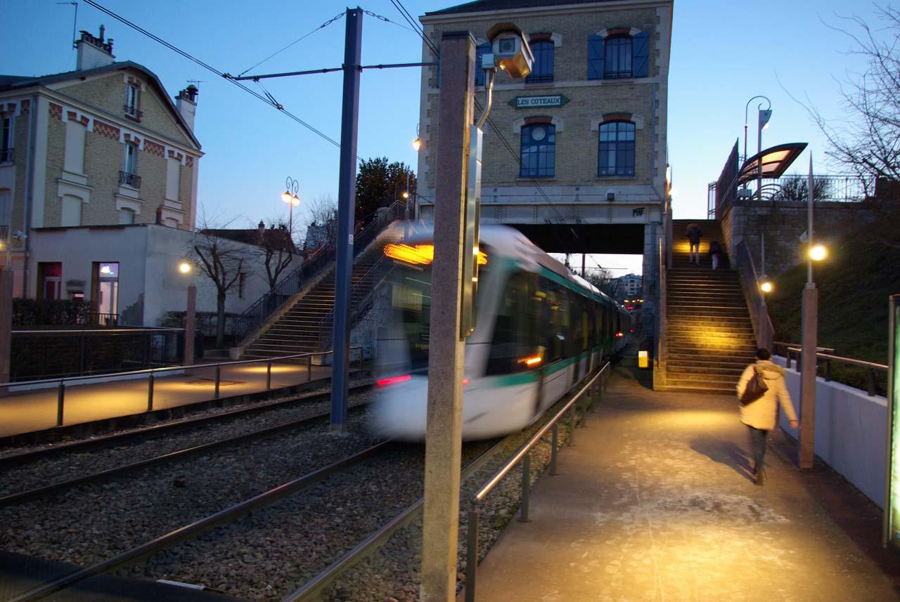 Quai du tram les Coteaux©JulienBarret