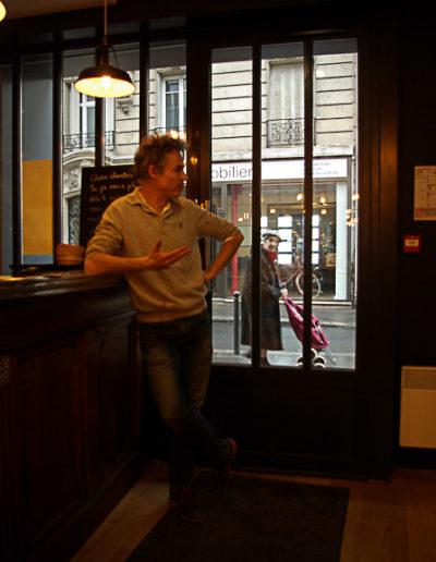 Guillaume Cornut au bar du bal Blomet par Julien Barret