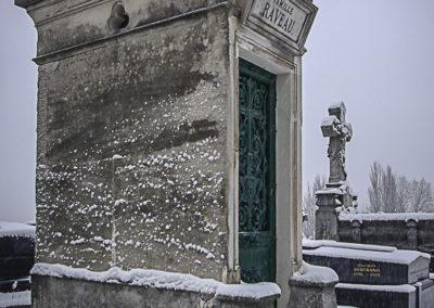 Cimetière des Lilas enneigé 2 par J. Barret