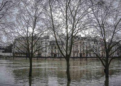 La Seine en crue vers le Pont de Sully par J. Barret