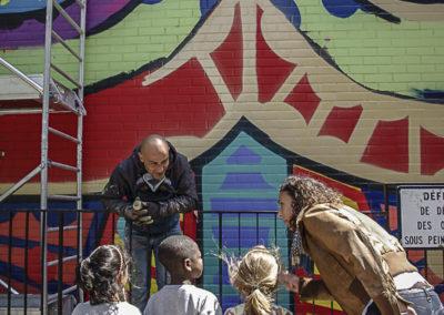 Da Cruz avec les enfants aux Périchaux par J Barret
