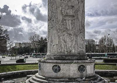 fontaine de la porte de st Cloud ©J Barret