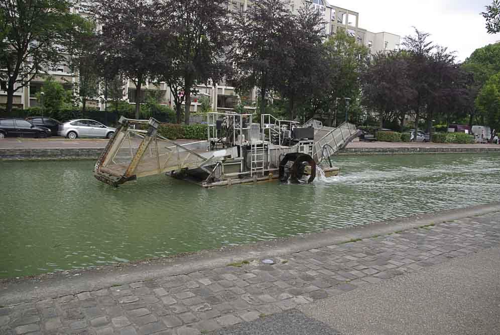 ofni sur le canal à Pantin par J Barret
