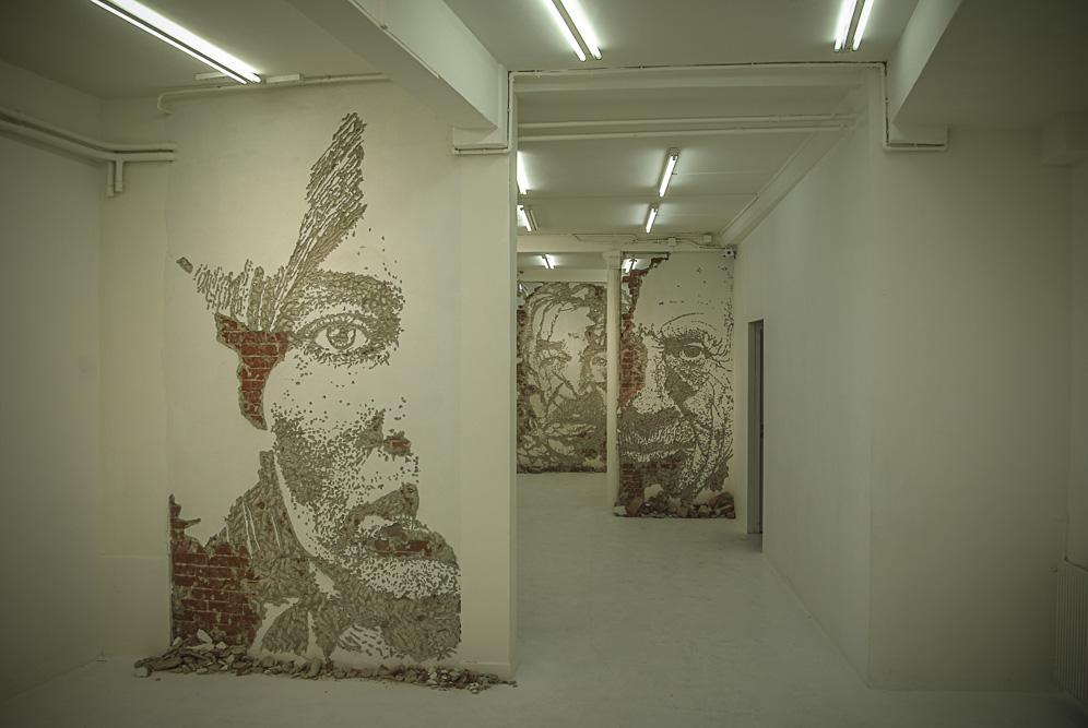 VHILS, exposition Solo Show à la galerie Magda Daniscz par J. Barret