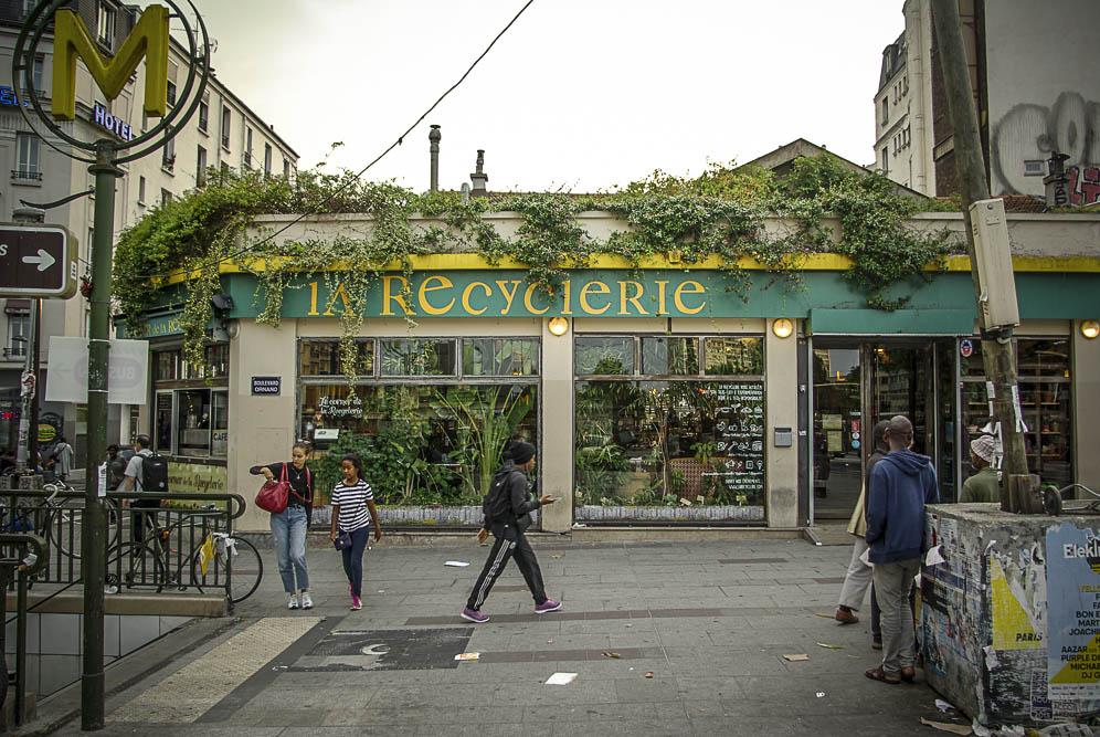 L'enseigne extérieure de la Recyclerie par J Barret