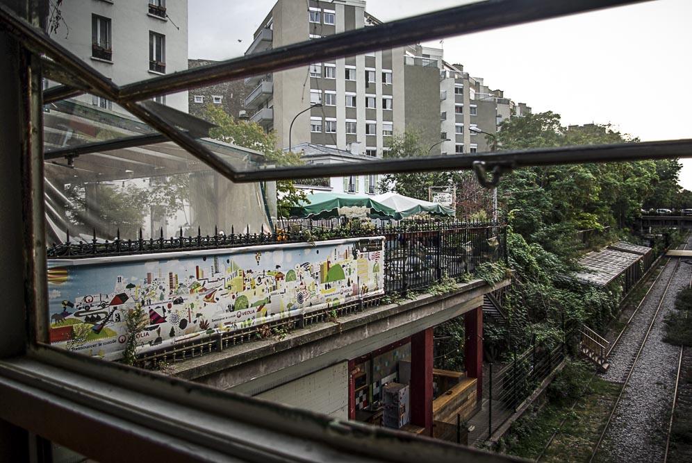 Vue sur les rails de la Recyclerie par J Barret