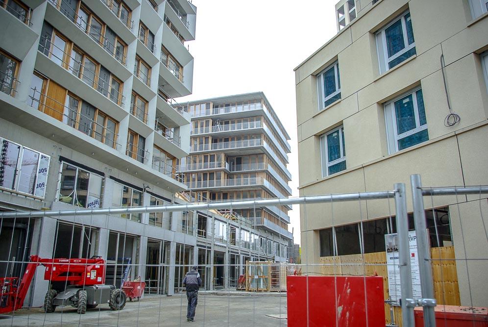 Immeubles en construction sur la ZAC Chapelle International par J Barret