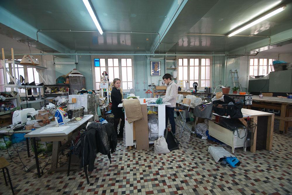 atelier couture dans les locaux du Shakirail @Pierre Alain Marassé
