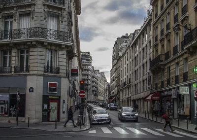 La rue de Longchamp photographiée du même angle le 14 décembre 2018 par J. Barret