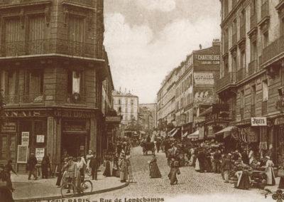 Une rue de Longchamp moins commençante qu'en 1910